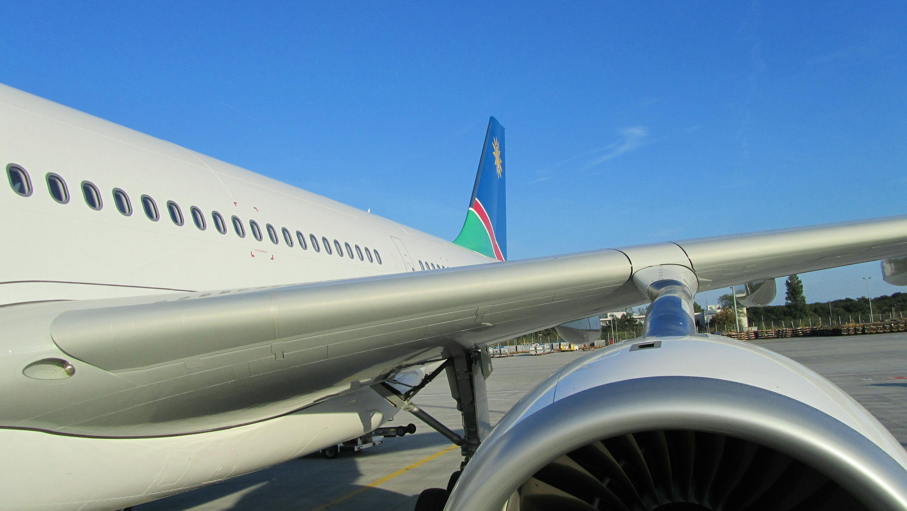 Air Namibia_A330_2